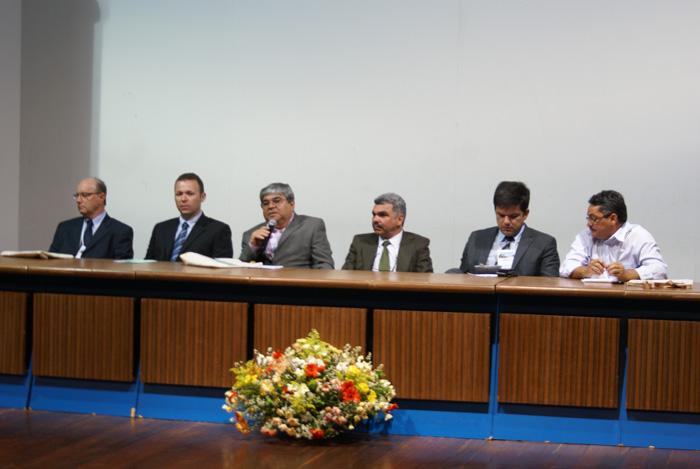 Mesa de abertura do Congestas 2013, com representantes do IBAMA, UFPB, SEMAM e SUDEMA.